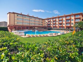 Acogedores y tranquilos apartamentos con piscina. Para familias