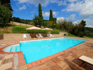 Stalla/luxury, private village, sleeps 2, Montecchio