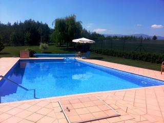 Villa Celona,mountain peace, 80 km from the sea, Livno