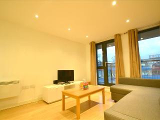 Fantastic Two Bed Apartment at MyBase Borough, Londres