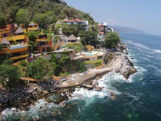 6 Bedroom  vacation rental villa in Puerto Vallarta Mexico -Ocean front