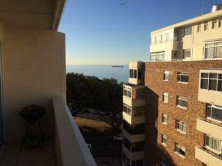 Sophisticated Modern Apartment on the top floor, Bantry Bay