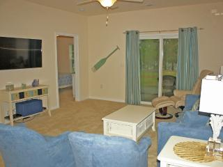 Just Reduced! Spacious & Upscale 3 bd/ 2 ba, North Myrtle Beach