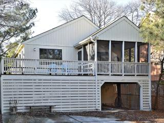 Very clean 3 bedroom home - Only 2 block to the beach!, Bethany Beach