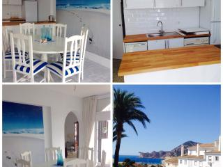 nautical but nice, sea view apartment in old town, Altea
