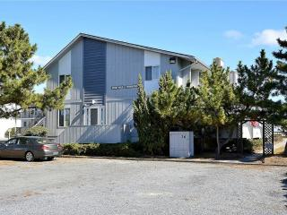 Air conditioned, 4-bedroom, 2.5 bath townhouse, Bethany Beach