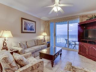7th floor Gulf front condo w/ shared pool, hot tubs, & private beach!