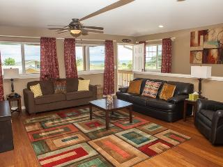 Ocean Vista House- Amazing Ocean Views, Up to 20 guests! Walk to PCC!