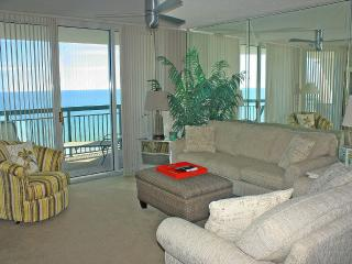 This Stunning Oceanfront 3BR/3BA in North Shore, North Myrtle Beach