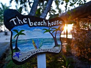 The Beach House,3 suites beachfront villa touching paradise
