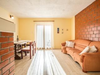 Apartment Srećko - 46951-A1, Vinisce