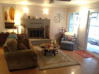 Cozy Chapel Getaway - BELL ROCK DR - SO83