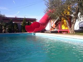 House for 12 people with waterslide and pool, Liznjan
