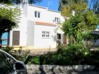Villa Sra.Rocha perto da praia com Wifi, Armação de Pêra