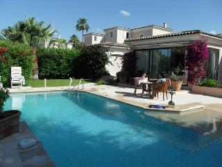 Luxury Villa with Private Pool, Villeneuve-Loubet
