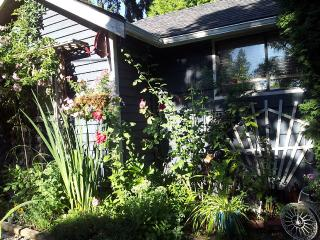 Shell Cottage Family And Pet Friendly, Saanich