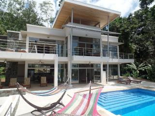 Beautiful Home High in the Rain Forest, Platanillo