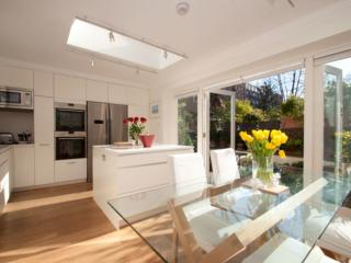 Russell Square, premiere London address, 2 bedroom with terrace