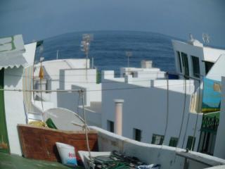La Santa, Tinajo, vistas y cercano al mar,soleado