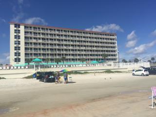 Beautiful Oceanfront Condo in Daytona Beach