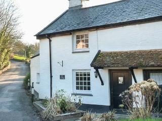 ELLIS COTTAGE character, woodburner, enclosed patio, WiFi in Berrynarbor Ref 932