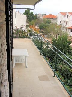 A2(7+1): balcony