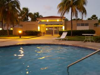 Beautiful 4 Bedroom Villa For Rent, Beach & Pool, Dorado