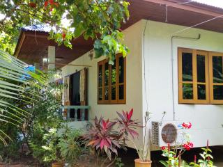 House 2 Bedroom 100m to Beach, Mae Nam