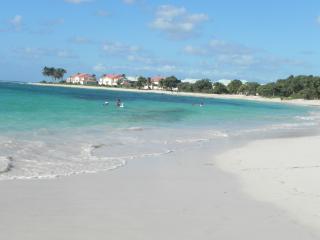 Bel apt T3 75 m2 bord de mer accès direct plage