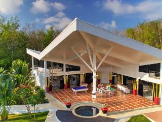 Delta Villa Stunning Modern Villa 700M2