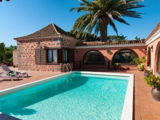 Villa in Bandama 4000 m2 with private pool, Las Palmas