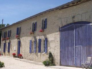 Chez Senant: renovated cottage with private pool, Saint Germain de Vibrac