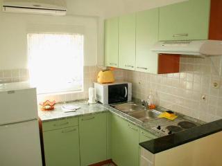 Natali 3 nice apartment for 5 people, Novalja