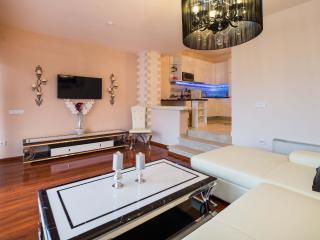 VILLA de LUXE 4*beachresidence Superior Apartment1, Stobrec