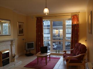 Great city centre 5 bedroom property to let - sleeps 6, Dangan