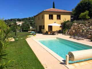 Garden villa with pool 5 min from Cannes and beach