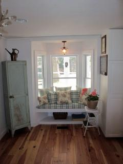 window seat off dining area