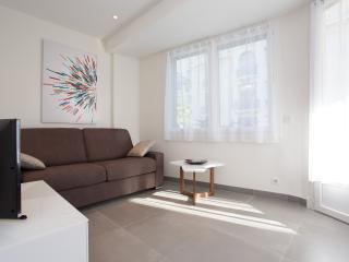Beautiful 2 beds / 2 baths with sea view 353