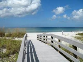 Indian Shores  updated 2 bdrm Intercoastal View