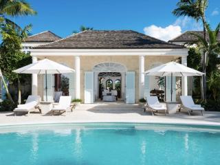 Luxury 5 bedroom Turks and Caicos villa. Luxury Beachfront!, Grace Bay