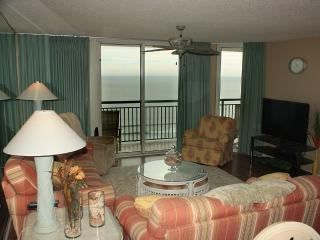Magnificent 4 BR/3 BA Oceanfront/Pools!, North Myrtle Beach