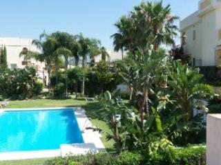 2 Bedroom Luxury Townhouse with Roof Terrace & Spa