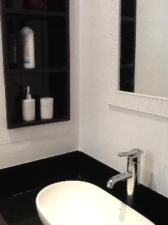 bathroom master suite