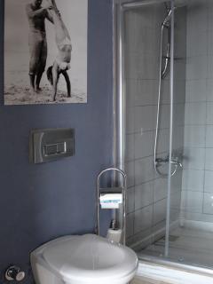 en-suite shower and toilet