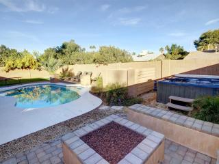 Private 4 BDRM Home- Pool/Spa/Fire/Pool Table, Mesa