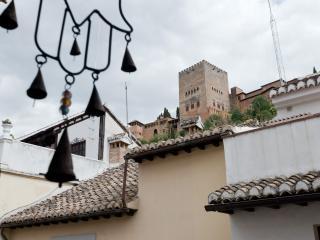 Amazing Alhambra views, Paseo de los Tristes, Granada