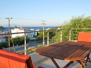 Apartment with  sea views, 200m.  from the beach., Porto Rafti