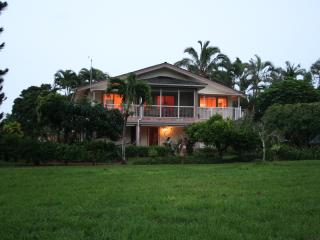 Lovely, spacious home on golf course, Princeville
