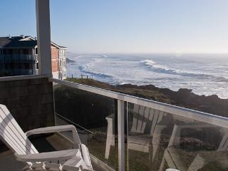 *Promo!* Oceanfront, Single Bedroom Condos - Indoor Pool, Jacuzzi and More!, Depoe Bay