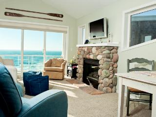Beautiful Oceanfront Condos/Single Bedroom/Hot Tub, Depoe Bay